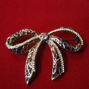 BOW Brooch Lapel Pin Ornament dark grey tones VTG